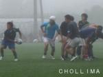 ボールをさばくSH ソン・チョンムン